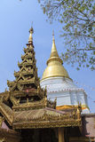 Golden pagoda at Prakaew dontao temple Royalty Free Stock Photos