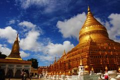Golden Pagoda (Shwezigon Pagoda) Stock Photography