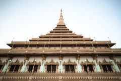 Golden pagoda at Wat Hnong Wang Stock Images