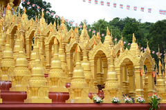 500 golden pagodas Stock Photos