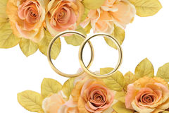 Golden rings. In a romantic and elegant wedding Royalty Free Stock Images