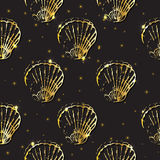 Golden sketch seashell decor seamless pattern. Vector illustration for your design Royalty Free Stock Photos