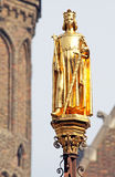 Golden statue in front of dutch parliament -  The Hague, Neherla Royalty Free Stock Images