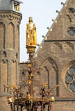 Golden statue in front of dutch parliament -  The Hague, Neherla Royalty Free Stock Photography