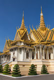 Golden temple in Phnom Penh Royalty Free Stock Photos