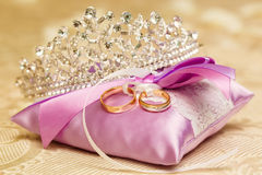 Free Golden Wedding Rings On The Purple Lace Pillow. Marriage Concept Royalty Free Stock Photo - 98368735