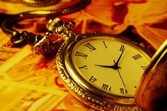 Goldene antike Uhr Lizenzfreies Stockbild