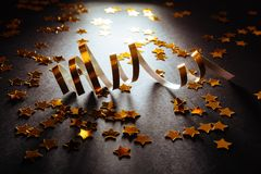 Goldene Ausläufer mit funkelndem Funkeln stockfotos