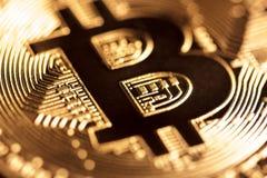 Goldene Bitcoin-Nahaufnahme Lizenzfreies Stockfoto