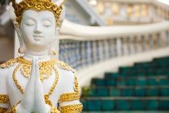 Goldene Buddha-Statue in Tempel Thailands Buddha Lizenzfreies Stockbild