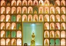 Goldene Buddha-Statuendekoration Lizenzfreie Stockbilder