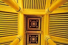 Goldene Decke Stockbild