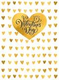 Goldene Folie des Vektors handgeschriebener beschriftender glücklicher Valentinsgruß-Tag Valentinsgruß-Tagesherzgoldmuster Text d lizenzfreie abbildung
