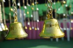 Goldene Glocken Stockfoto