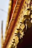 Goldene Glocken auf dem Dach Stockbilder