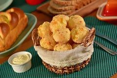 Goldene Käsebrotbälle Stockfotografie