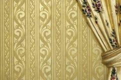 Goldene königliche thailändische Wanddekorationskunst Lizenzfreies Stockbild