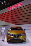 Goldene Korolla Toyotas Stockfotografie