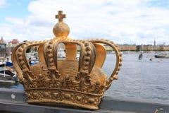 Goldene Krone auf Skeppsholm-Brücke, Stockholm, Schweden stockbilder