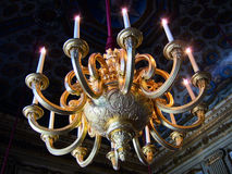 Goldene Leuchter Stockbilder
