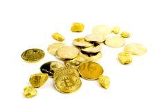 Goldene Münze Bitcoin-Münze, Stapel cryptocurrencies bitcoin isola Lizenzfreie Stockfotografie
