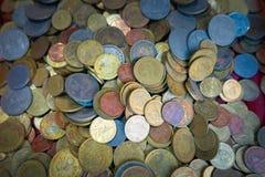 Goldene Münze und alte Münze Lizenzfreies Stockbild