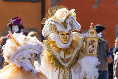 Goldene Maske mit Birdcage Lizenzfreies Stockfoto