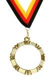 goldene Medaille mit leerem Platz- und Farbbandisolat Stockfotografie