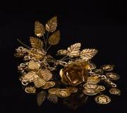 Goldene Metallprodukte Stockfotos