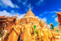 Goldene Pagode bei Wat Phra That Doi Suthep, Thailand lizenzfreie stockfotos