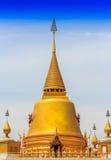 Goldene Pagode des buddhistischen Tempels Lizenzfreies Stockfoto