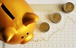 Goldene Piggy Querneigung Lizenzfreie Stockbilder