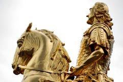 Goldene Reiter Statue Stockfotos