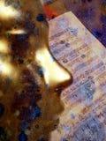 Goldene Schablone und Musik Lizenzfreies Stockbild