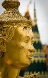 Goldene siamesische Statue stockbilder