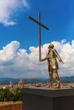 Goldene Skulptur an der Stärke di Belvedere in Florenz, Italien Stockbild