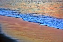 Goldene Sonnenaufgang-Meere Lizenzfreies Stockbild