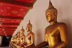 Goldene Statue Lizenzfreie Stockfotos