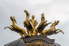 Goldene Statue bei Eremitage, alter Palast in Bayreuth, Deutschland, 201 Stockfotografie