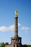 Goldene Statue in Berlin lizenzfreies stockfoto
