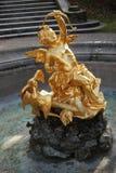 Goldene Statue im Linderhof-Park, Bayern, Deutschland Stockbilder