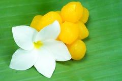 Goldene thailändische Süßspeise Stockbild