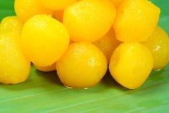 Goldene thailändische Süßspeise Lizenzfreie Stockfotos