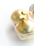 Goldene Weihnachtsbaum-Verzierungen Lizenzfreie Stockfotografie