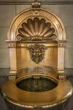 Goldene Weinlesewanne Lizenzfreies Stockfoto