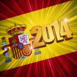 Goldene Zahlen des neuen Jahres 2014 über glänzender spanischer Flagge Stockbild