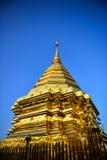 Goldener asiatischer Tempel Stockfotografie