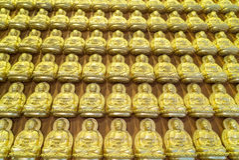 Goldener Buddha im chinesischen Tempel Stockfotos