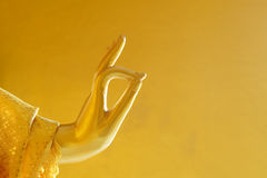 Goldener Buddha-Statue Vitaka-mudra Abschluss herauf Foto Lizenzfreie Stockfotos