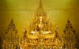 Goldener Buddha-Statuenthailand-Tempel Lizenzfreies Stockbild